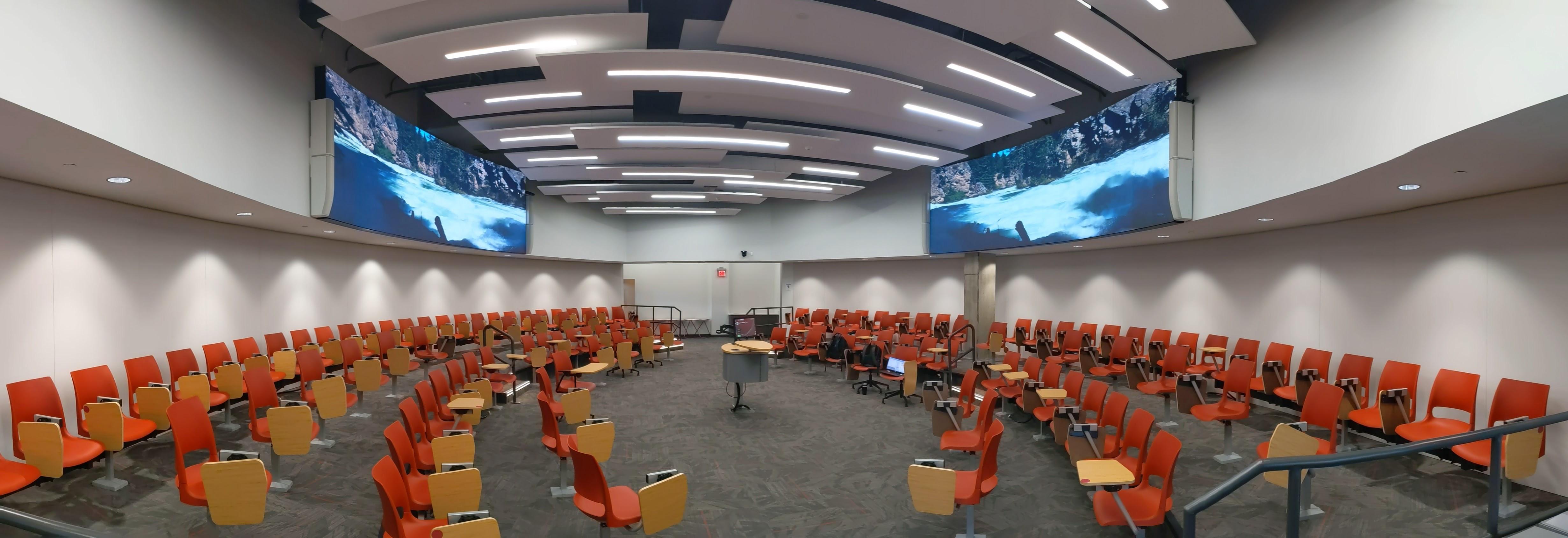 Classroom with displays 2 | AVIXA