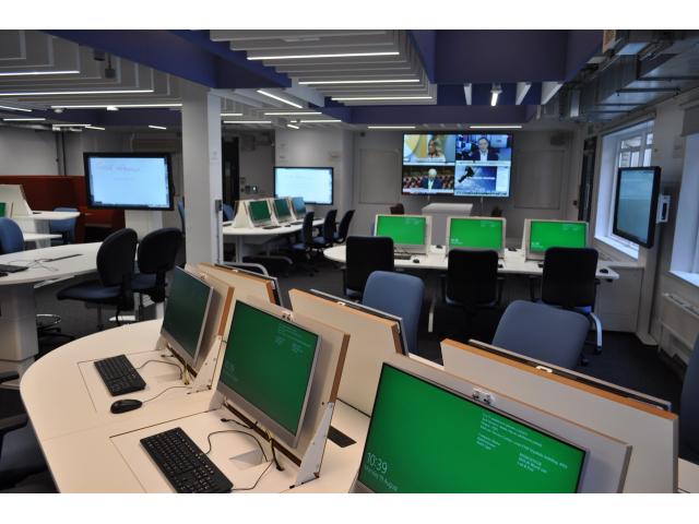 The Newsroom for the Department of Journalism, University of London | AVIXA
